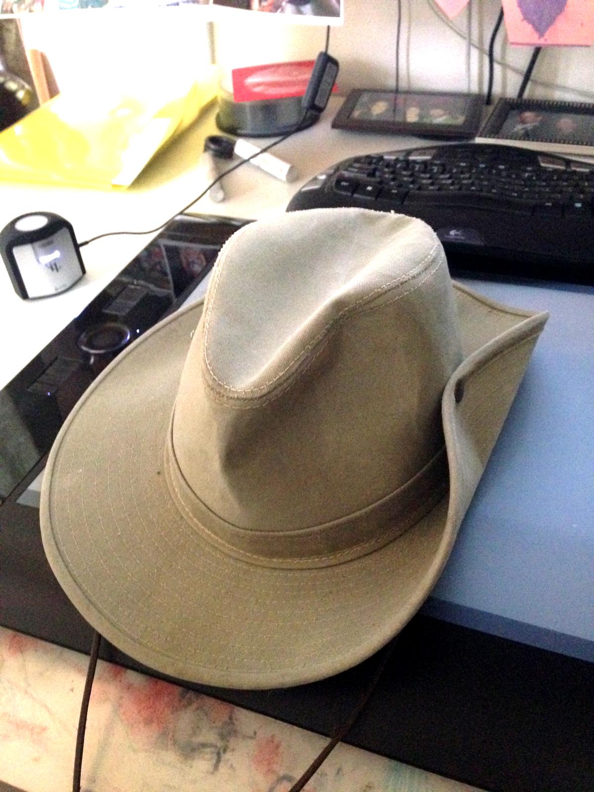 Australian-hat